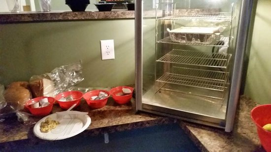 "Bellaire, MI: Continental breakfast and ""egg"" dish warmer"