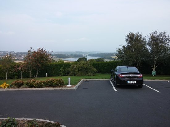 Samuels Heritage B&B: View from parking lot