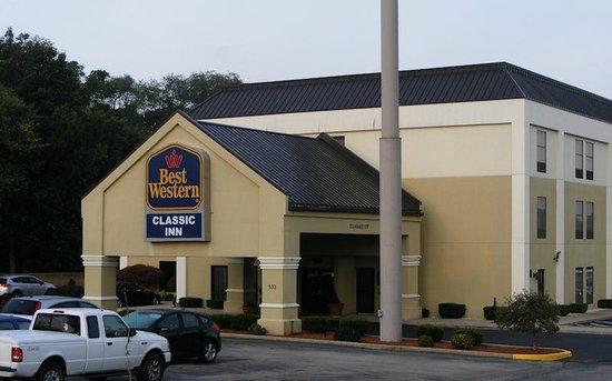 Best Western Classic Inn: Good location right off I-70