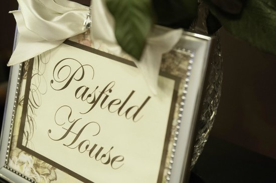 Pasfield House Inn: Centerpiece