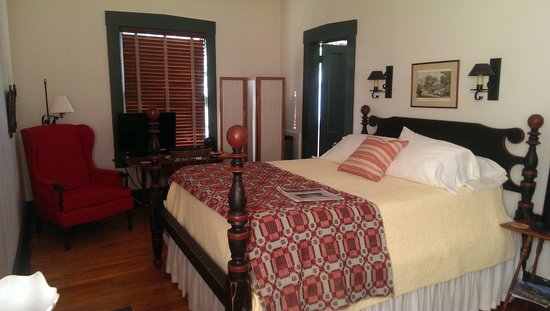 1840 Tucker House Bed and Breakfast: Travelers Room