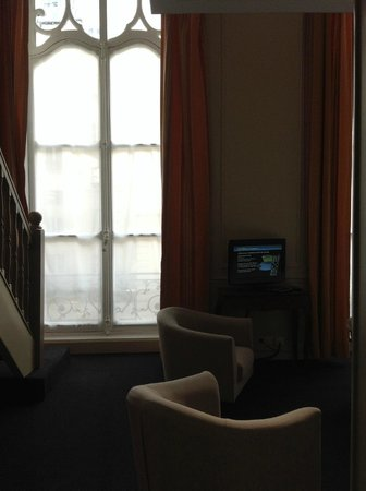 Saint James Albany Hotel-Spa: love the tall windows of second floor rooms in Paris