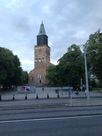 Cathédrale de Turku : 偉大的教堂外觀