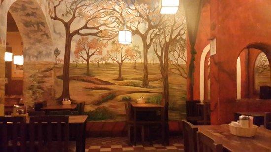 Rainbow Cafe: Vista interna