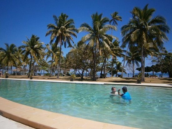 Lomani Island Resort: The Pool