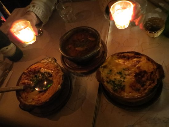Las Cholas: pastel de batata con lomo a la derecha