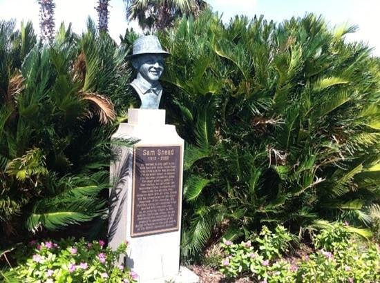The Club at Savannah Harbor: Tribute to Sam Snead next to the first tee