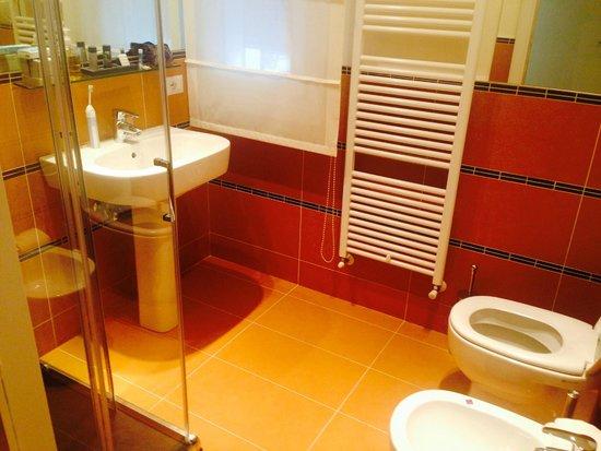 Belludi 37: Bathroom