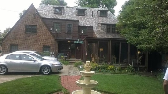 Fitzgerald's Irish Bed & Breakfast: Back of the B&B