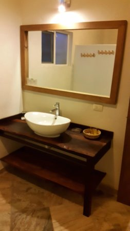 Almaplena Eco Resort & Beach Club: LAVABO