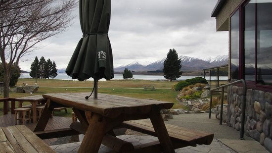 Mackenzies Cafe Bar Grill : outdoor seating