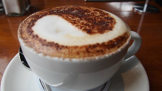 Mackenzies Cafe Bar Grill : capuccino