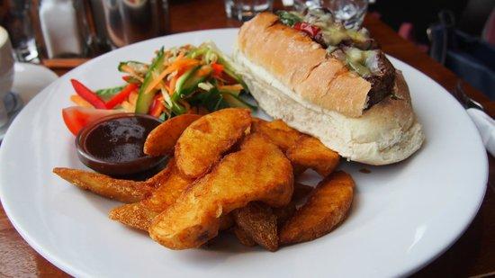 Mackenzies Cafe Bar Grill : average