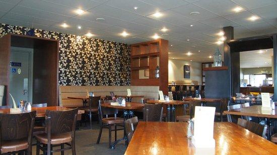 Mackenzies Cafe Bar Grill : inside the restaurant