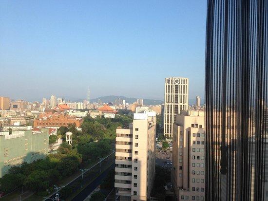 Taipei Garden Hotel: 可以看到101大樓喔~~