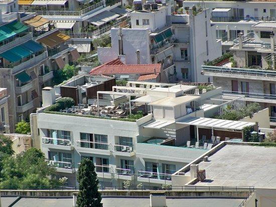 هيروديون أثينا: Il roof e pool garden visto dall'Acropoli