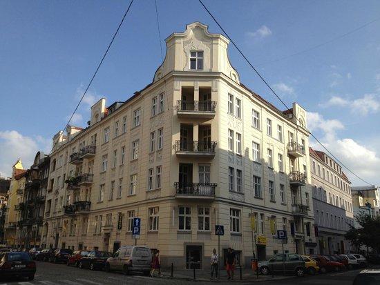 Pomaranczarnia  Hostel Apartamenty: Outside