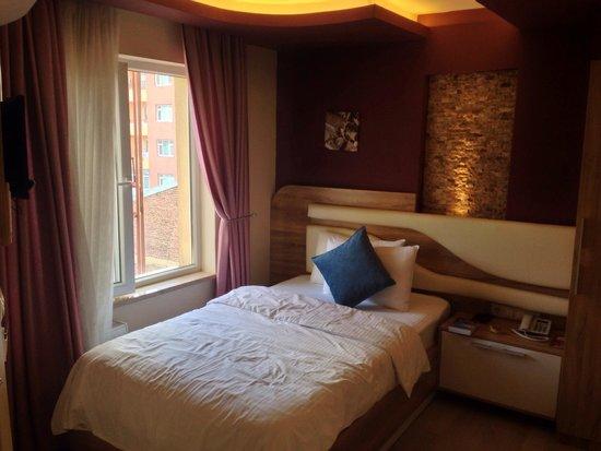 Rafo Hotel : 405
