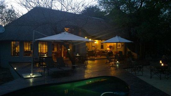 Mvuradona Safari Lodge: Lodge
