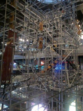 Hong Kong Science Museum : Ball run