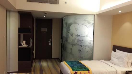Holiday Inn Express Ahmedabad : Our room