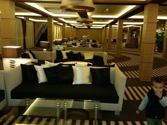 Aquaticum Debrecen Thermal and Wellness Hotel: Reception area
