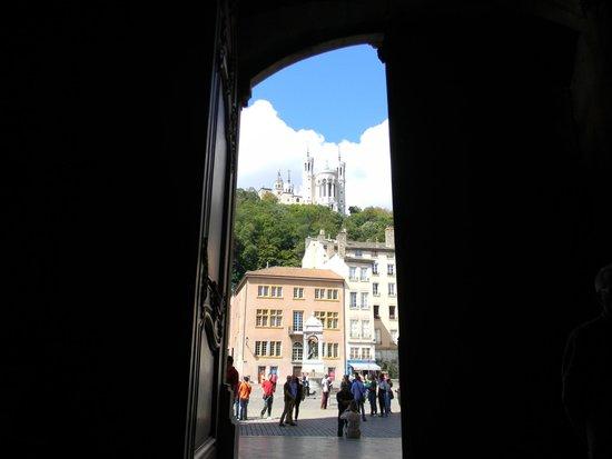 Vieux Lyon : вид из собора Святого Иоанна Крестителя
