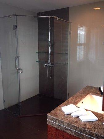 The Berkeley Hotel Pratunam: toilet