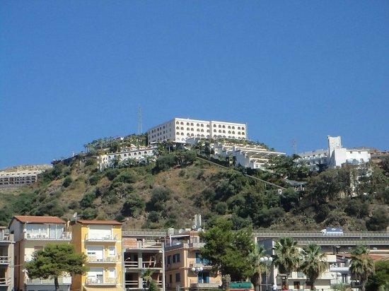 Hotel Antares : с набережной