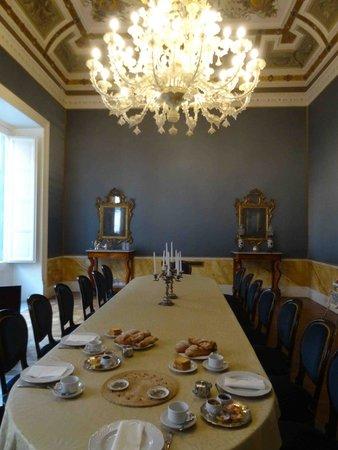 Palazzo Montevago : le petit déjeuner dans une salle d'apparat