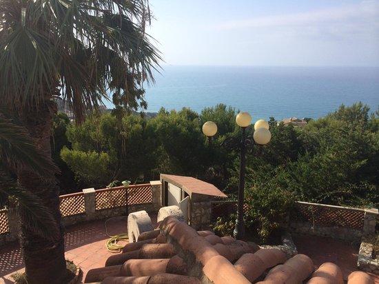 B&B Villa Sorriso : vista sul mare dal balcone della camera