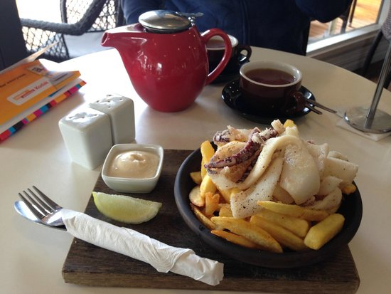 Emu Point Cafe : Squid and chips :)