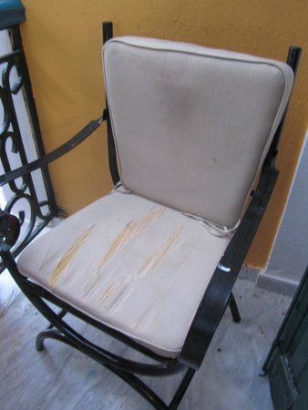Labito Hotel: sedia del balcone