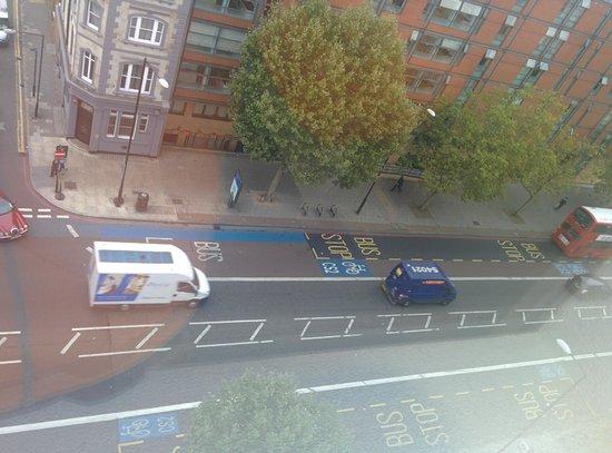 Hotel ibis budget London Whitechapel - Brick Lane: Vistas desde el hotel (zona de esperar los ascensores)