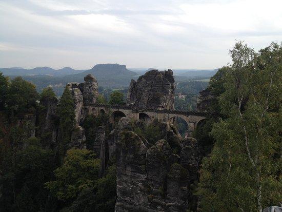 Felsenbuhne: Вид с моста