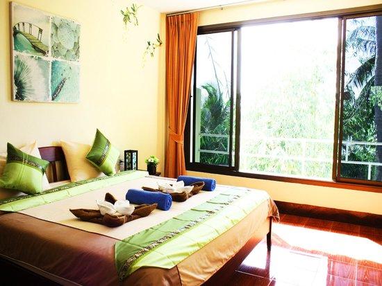 Kata Mountain Inn: Большая комната