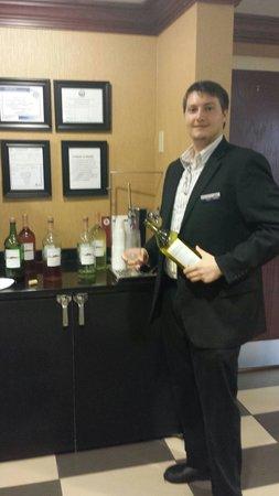 Hampton Inn & Suites Springfield - Southwest: Evening Reception Tues-Thurs 5:30-7:00