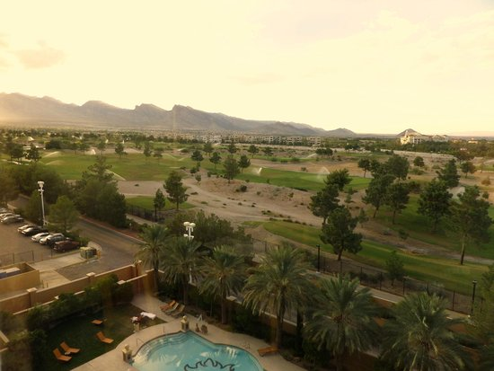 Suncoast Hotel and Casino: Spectacular view from our room of the Mountain Course at Angel Park Golf Club