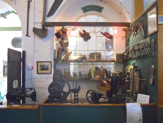 Helston Museum: Cobbler