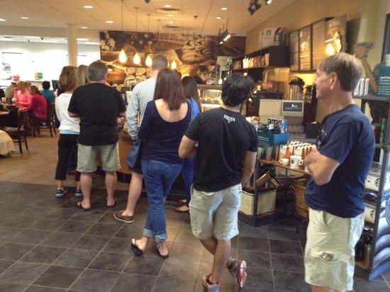 Starbucks : Waiting line