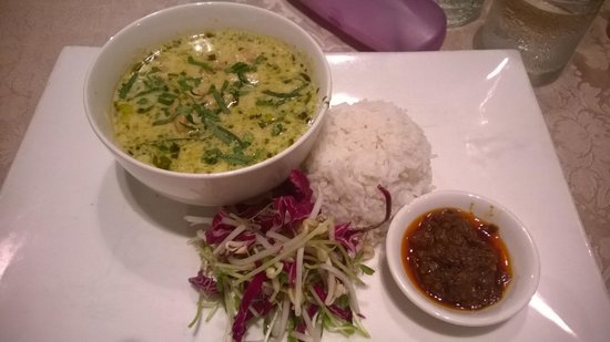 The Beach Shack Restaurant: Lemongrass and Basil Fish Curry