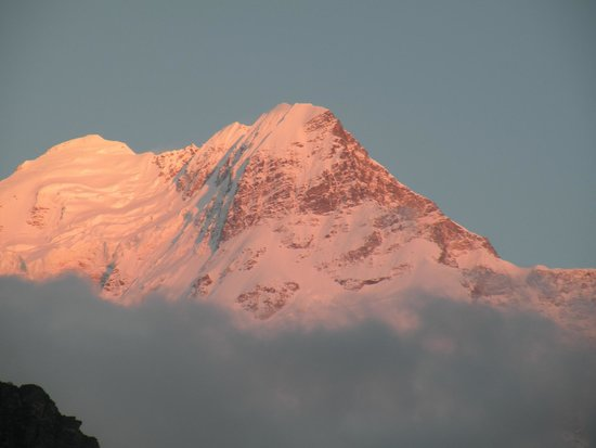 Joshimath, Indien: Dronagiri Sunset from Butelo Roof