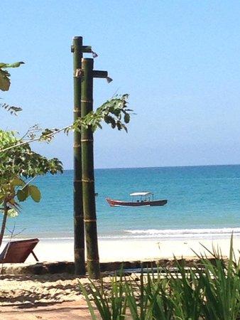 Ngapali Beach : Douche de plage en bambou