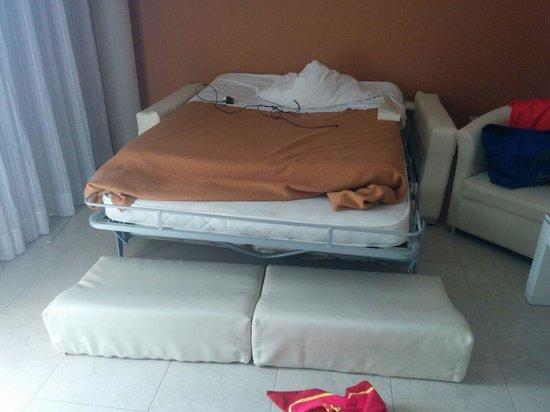Guayarmina Princess Hotel: Thompson platinum bed!