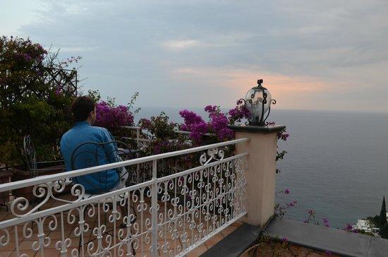Positano Art Hotel Pasitea: Excelente balcon terraza con vista al mar