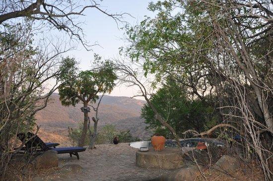 Isibindi Zulu Lodge: Aussicht am Pool