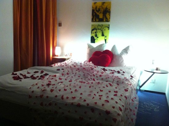 Hotel du Theatre by Fassbind : Heart Cushions and Rose Petals Aplenty