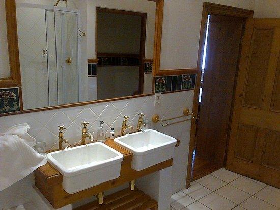 Evergreen Manor & Spa : Bathroom