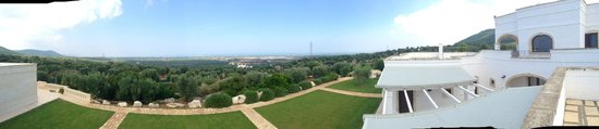 Montalbano, Italia: View from the top of the Masseria Rooms
