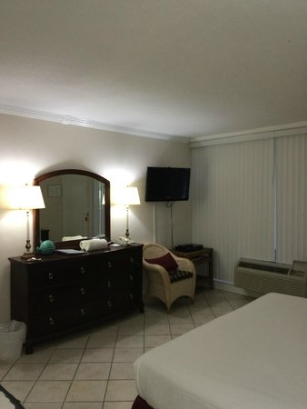 Villa Venice Men's Resort : : Free WiFi And All The Comforts ...